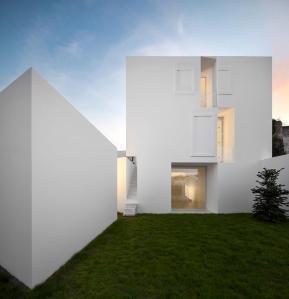 BA 2 Aires Mateus | Casa:House em:in Alcobaça - Portugal © Fernando Guerra, FG+SG Architectural Photography