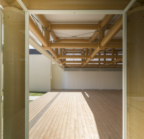 04d-ie-paper-pavilion-in-madrid-by-shigeru-ban