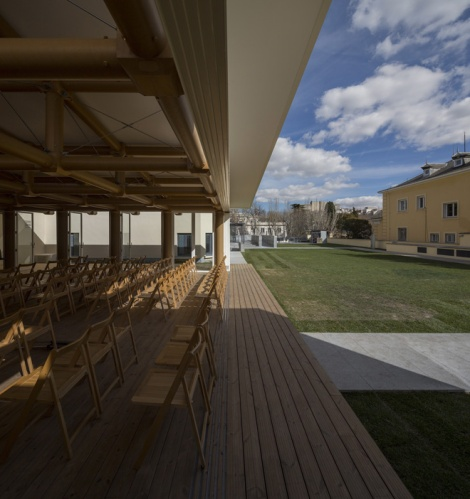 11-ie-paper-pavilion-in-madrid-by-shigeru-ban