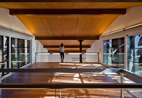dzn_Prefab-House-in-Cedeira-by-MYCC-10