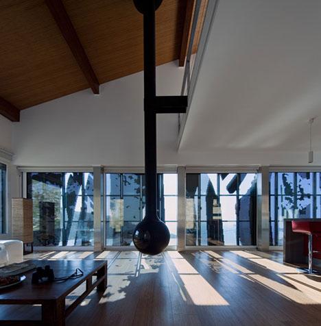 dzn_Prefab-House-in-Cedeira-by-MYCC-13