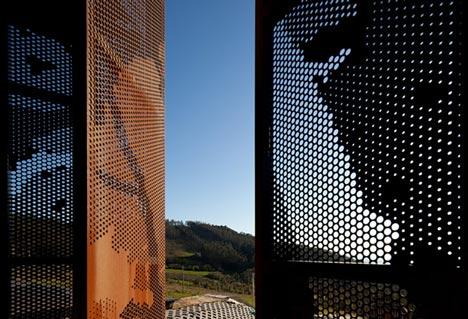 dzn_Prefab-House-in-Cedeira-by-MYCC-15