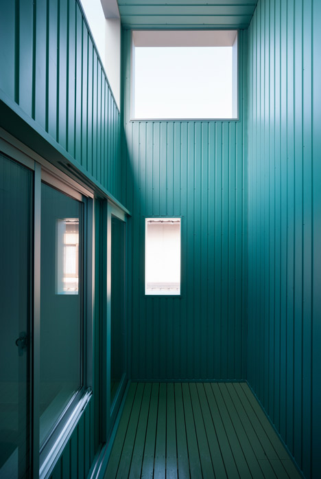 dezeen_Promenade-House-by-FORMKouichi-Kimura-Arcitects_22