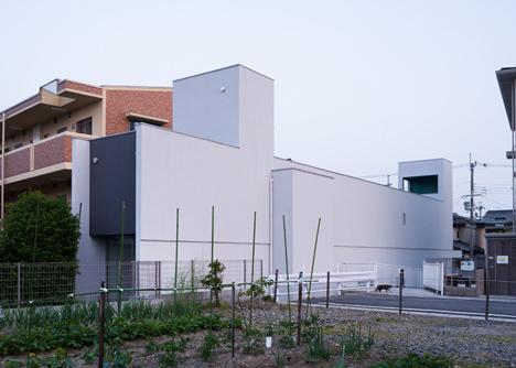 dezeen_Promenade-House-by-FORMKouichi-Kimura-Arcitects_7