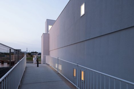Promenade-House-By-Kouichi-Kimura-Architects-In-Shiga-Japan-yatzer-11